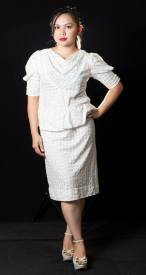 "PRICE: P380 ITEM CODE: 15-4 G2000 POLYESTER BUST: 42"" WAIST: 38"" ARMHOLE: 20"" LENGTH: 38"""