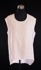 PRICE- P300 ITEM CODE- 20-31 TOPSHOP 6 (TAG SIZE), POLYESTER BUST- 42%22 ARMHOLE- 18%22 LENGTH- 26%22 (FRONT), 31%22 (BACK)