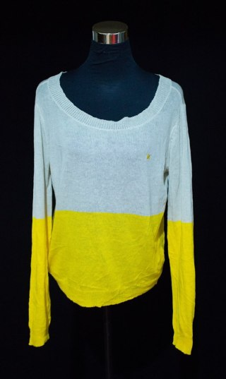 "PRICE: P300 ITEM CODE: 22-32 HURLEY STRETCHABLE BUST: UP TO 44"" ARMHOLE: 17"" SLEEVE CIRCUMFERENCE: 12"" LENGTH: 22"""